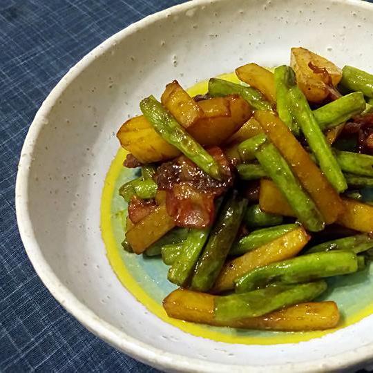 太郎食堂 - 一品料理いんげんとカボチャの炒め物エビチリ豚肉ときくらげの卵炒め豚肉とセロリの辛み炒め麻婆カリフラワーいんげんとベーコンのカレー炒め